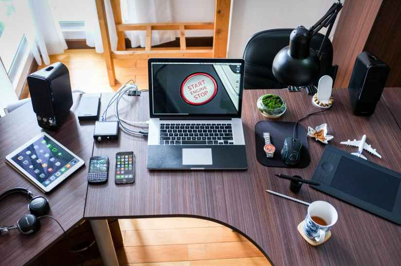 apple coffee computer desk